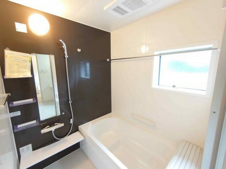 同仕様写真(内観) 浴室:浴室暖房乾燥機付き《 同社施工例 》現地見学や詳細は 株式会社レオホーム へお気軽にご連絡下さい。