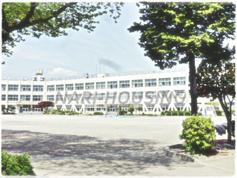 小学校 【小学校】昭島市立 拝島第三小学校まで352m