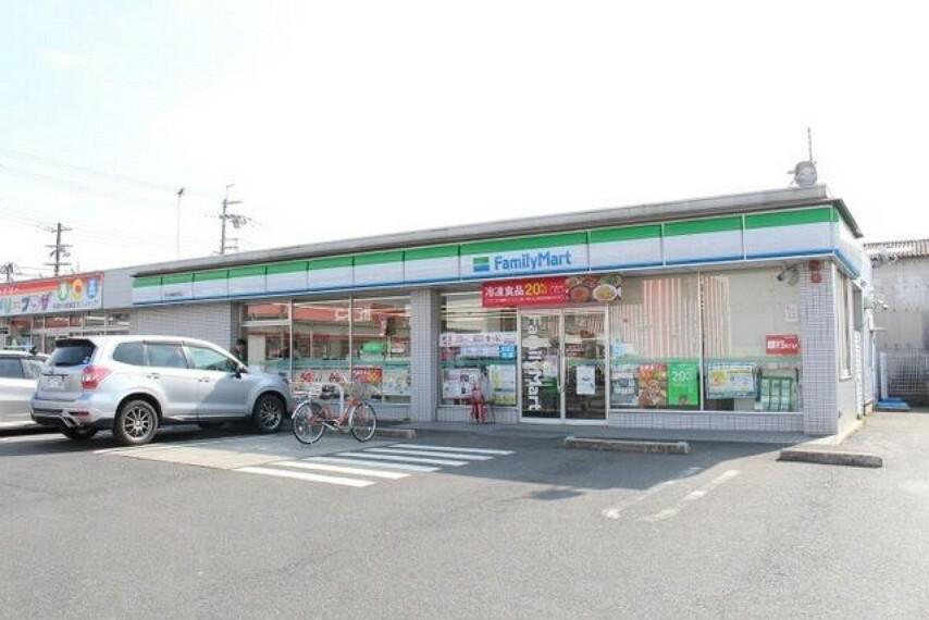 コンビニ 【コンビニエンスストア】ファミリーマート 守山播磨田町店まで769m