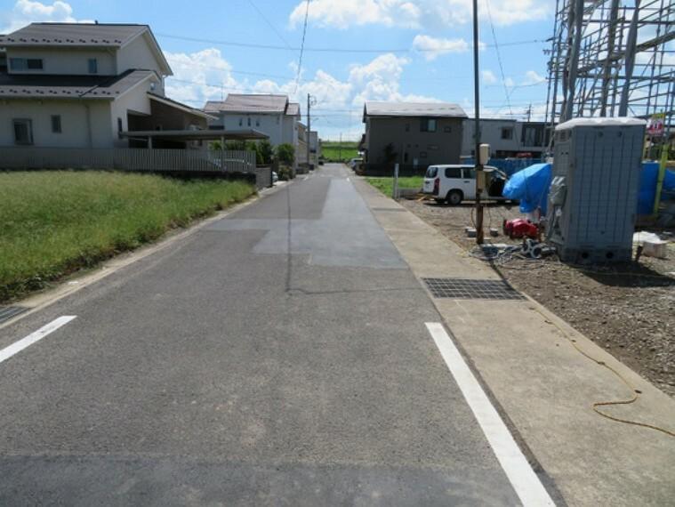 現況写真 前面約6m道路に接道しているので開放感があります。