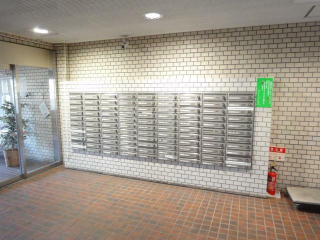エントランスホール メールボックス