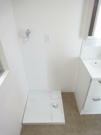 ランドリースペース 洗濯機置き場(ドラム式対応)