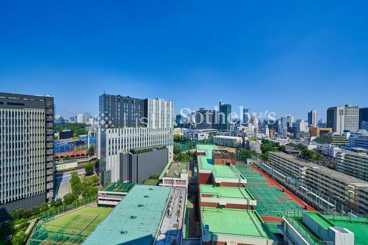 眺望 ~眺望~周囲に高い建物がなく、神宮球場や都心のビル群、六本木方面を望むことができます。