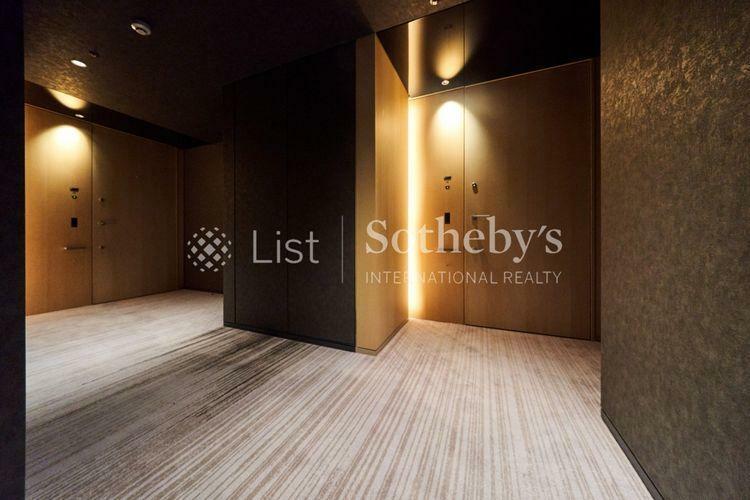 ~共用廊下~住戸へのアプローチはホテルライクな内廊下になっており、プライバシーに配慮されています。