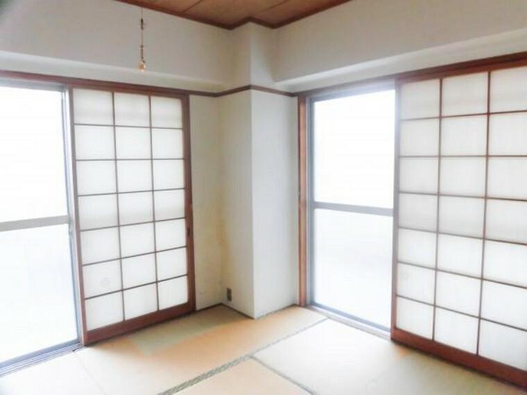 【リフォーム前】こちらも、和室は今から洋室へ変更します。床・天井・壁クロスを張ります。さらに、押入をクローゼットに変更予定です。