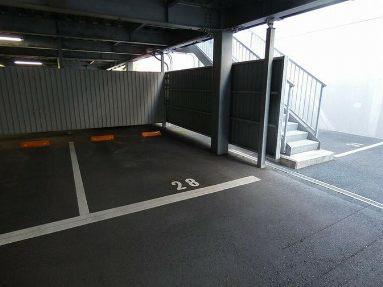 分譲駐車場屋根有