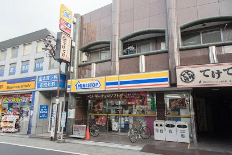 コンビニ 【コンビニエンスストア】ミニストップ 永福町駅前店まで573m