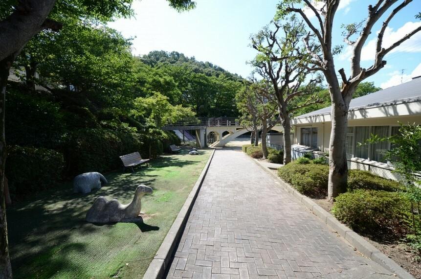 公園 【公園】松ヶ丘公園まで402m