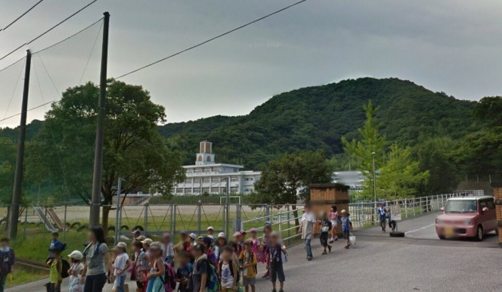小学校 【小学校】高知市立十津小学校まで573m