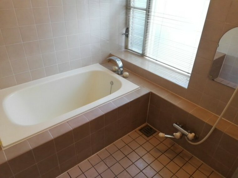 浴室 癒しの空間で一日の疲れも取れて気持ちがいいです。