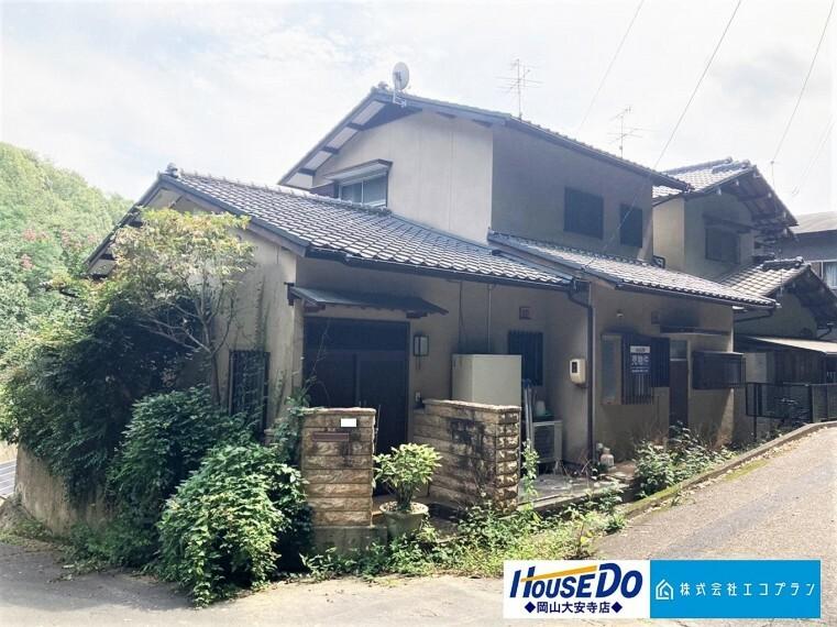 外観写真 日本の風情漂う純和風のお家が登場です  広々6DK 浴室乾燥機、ウォシュレット・オートバス等の充実設備