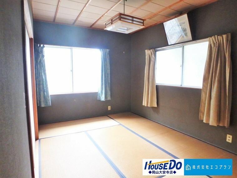 和室 多用途に様々な使い方が出来る和室。寝転がってのんびり休日を過ごす場として、和室があるのは嬉しいですね