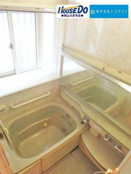 浴室 毎日の生活を快適に過ごして頂ける落ち着いた雰囲気の浴室です