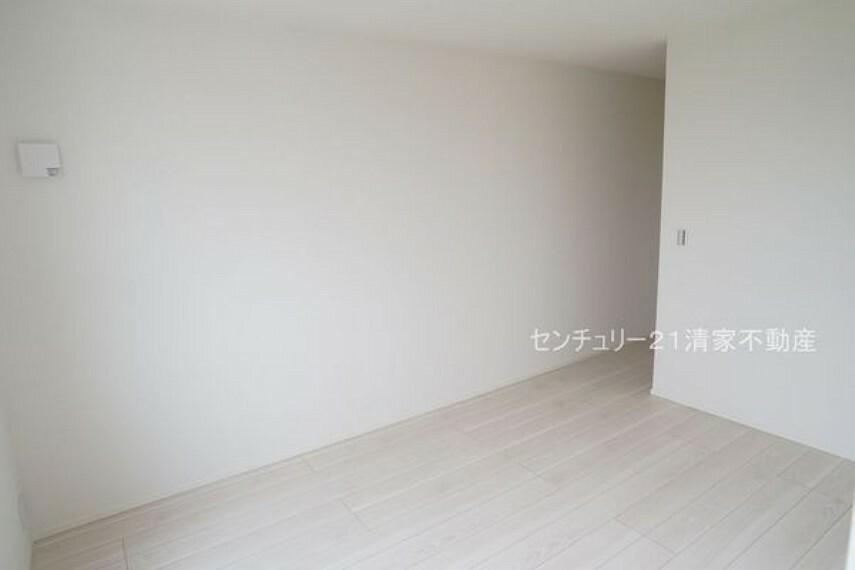 洋室 2号棟:子供部屋にも嬉しい全居室収納スペース(2021年09月撮影)