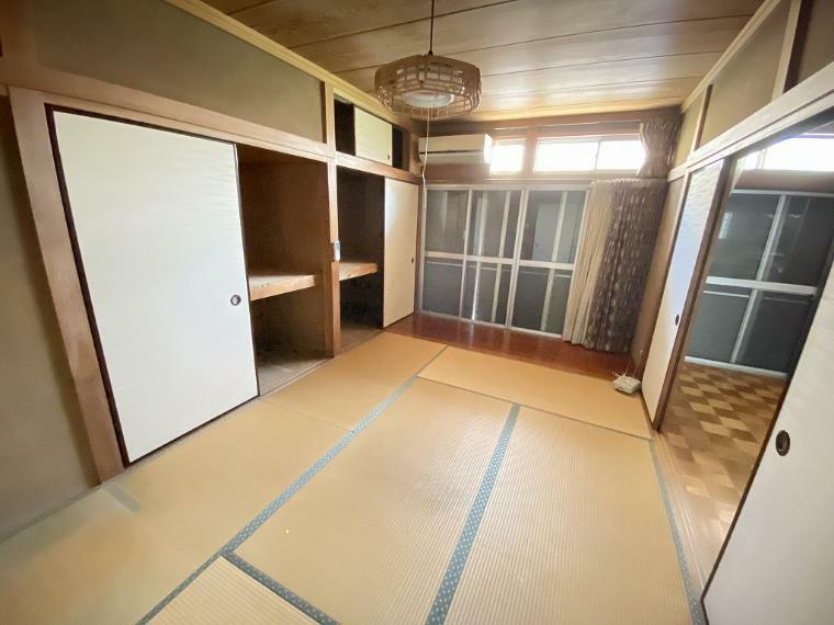 和室 1階中央6帖和室