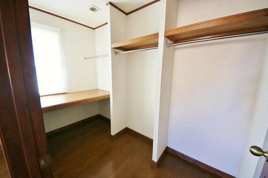 収納 居室にはクローゼットを完備し、自由度の高い家具の配置が叶うシンプルな空間です。