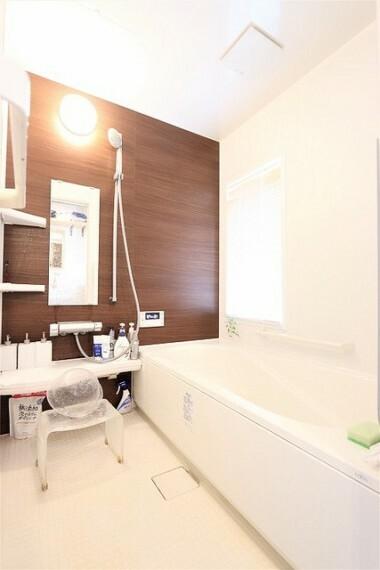 浴室 【bath room】5年前にリフォームされた浴室は、手入れも行き届いており大変綺麗にお使いです。