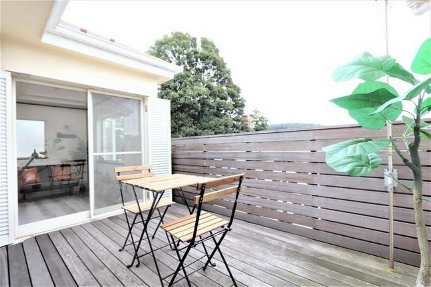 バルコニー 【balcony】横浜市内とは思えない癒しの空間!BBQやカフェスペース≧っくり読書するのもおすすめです!
