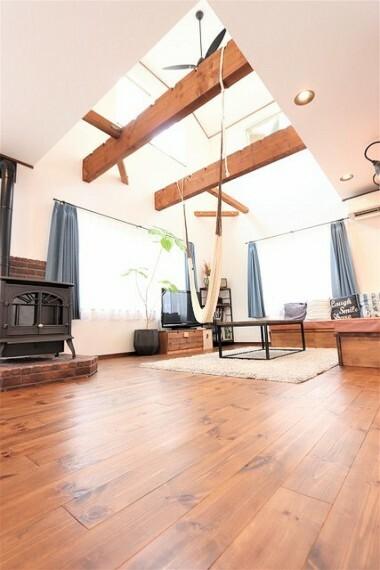 居間・リビング 【Living room】どこから見ても楽しい空間!なたのセンスで是非オリジナルの空間を作って下さい!