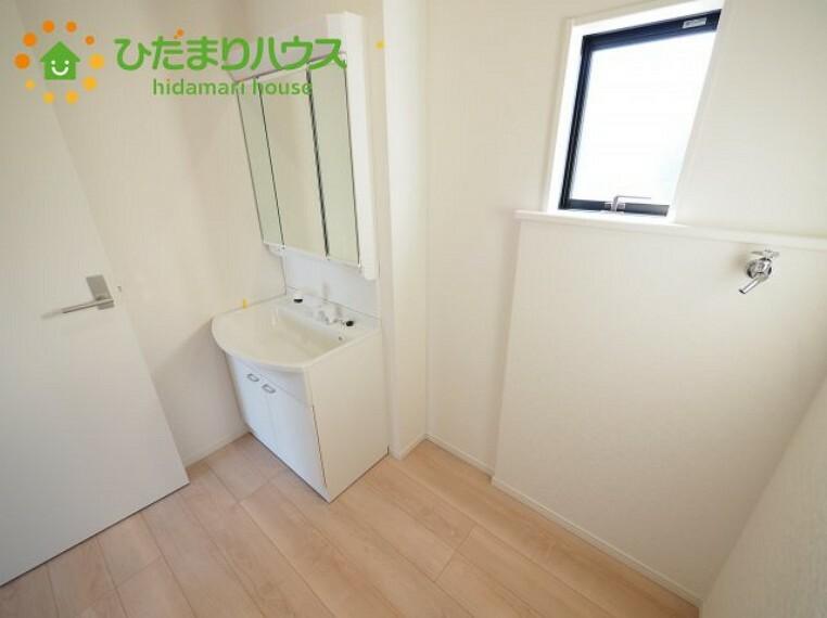 洗面化粧台 シンプルなデザインの洗面化粧台!(^^)!