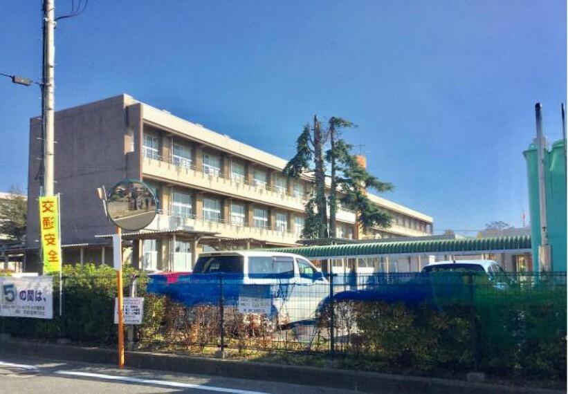 小学校 【小学校】緑岡小学校まで1500m