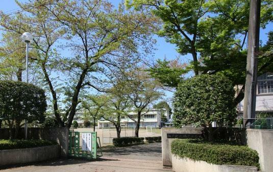 小学校 勝呂小学校(850m)