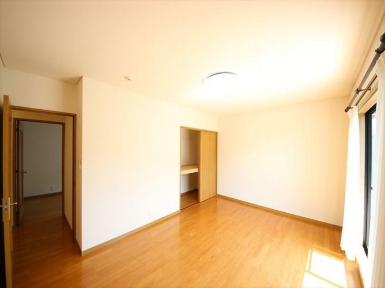 洋室 2階