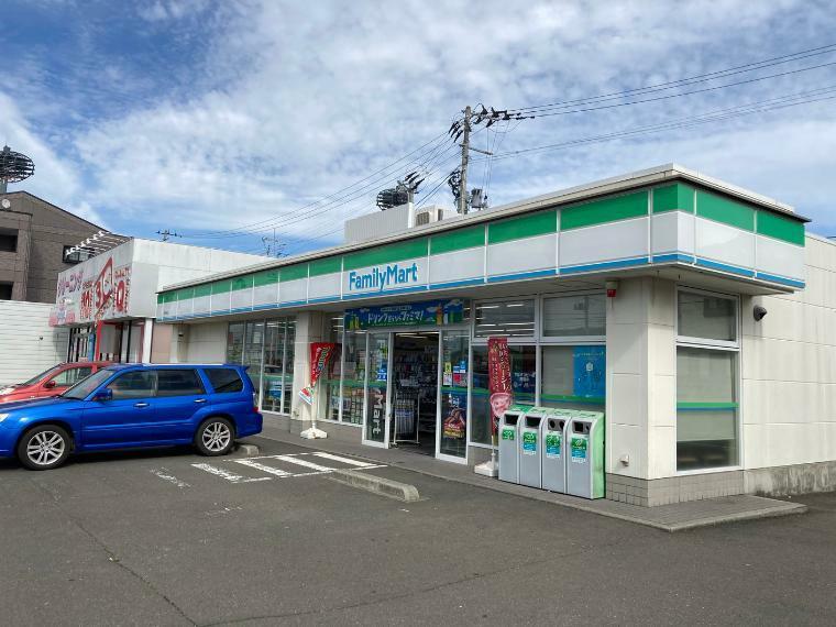 コンビニ ファミリーマート長町南駅前店