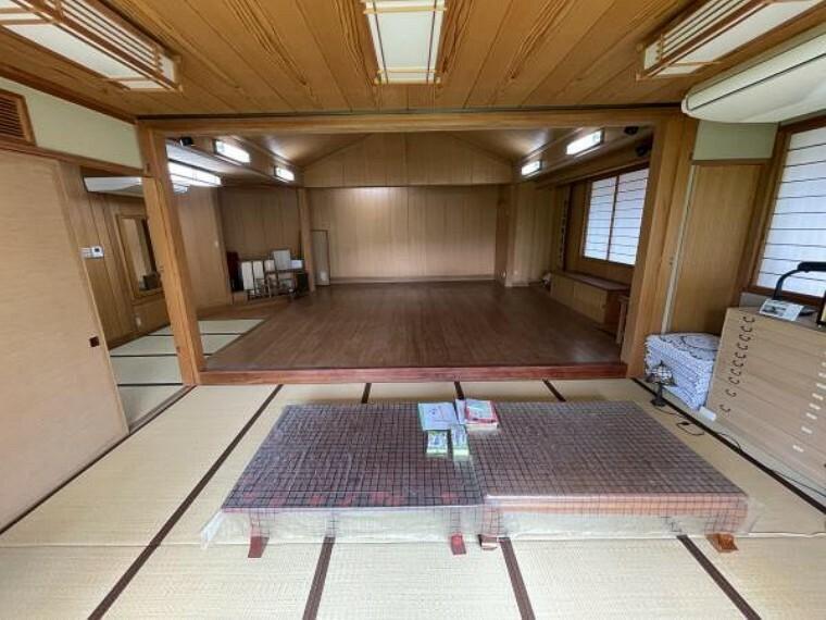 【和室】11帖の和室からは、舞台を見渡せます!