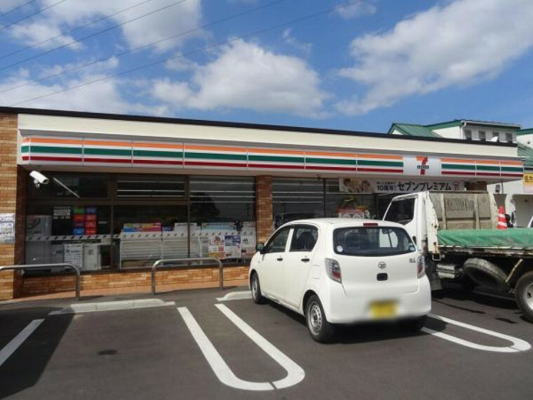 コンビニ 【セブンイレブン福島永井川店】徒歩12分<総合病院の近くにあるコンビニです。車でも入りやすく利用しやすいコンビニです。>