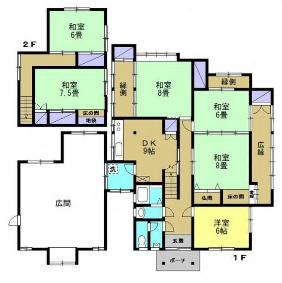 間取り図 【リフォーム前】1階広間を解体し、駐車場整備行います(2台分)中庭横の駐車スペースと併せて3台駐車可能です。今回昔ながらの急な階段の架け替えを行い上り下りしやすい階段にする予定ですのでご期待ください。