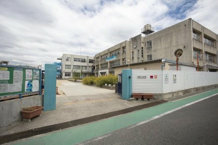 小学校 【小学校】岸和田市立八木南小学校まで160m
