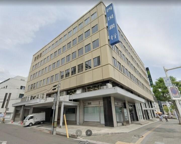 銀行 【銀行】四国銀行高知本店まで224m
