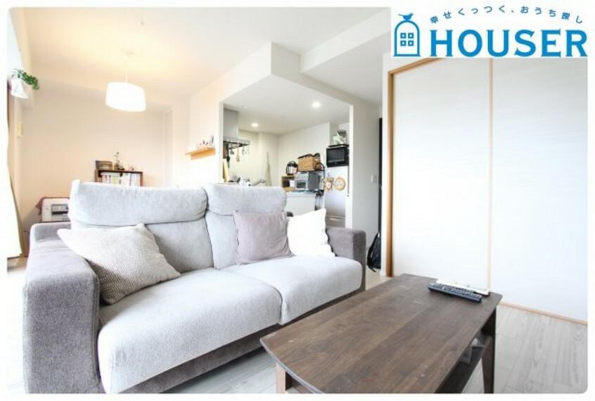 居間・リビング 家族の集まるリビングはゆとりと安らぎある広々空間