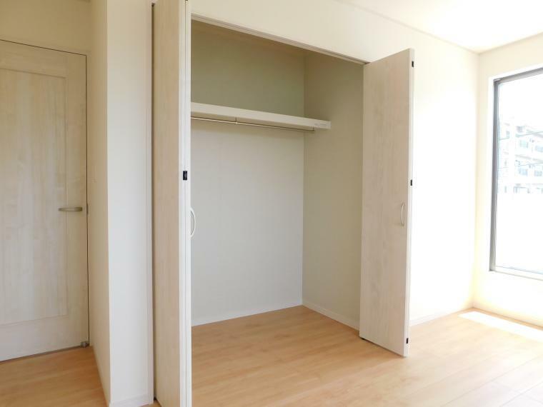 収納 【過去施工例】各部屋収納付きなので、お片付けもスッキリできますね!