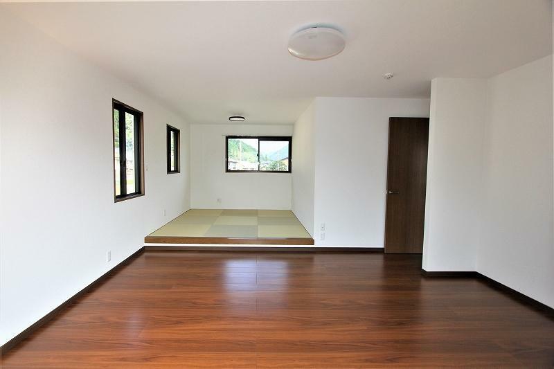 洋室 2階14.5帖の洋室です。