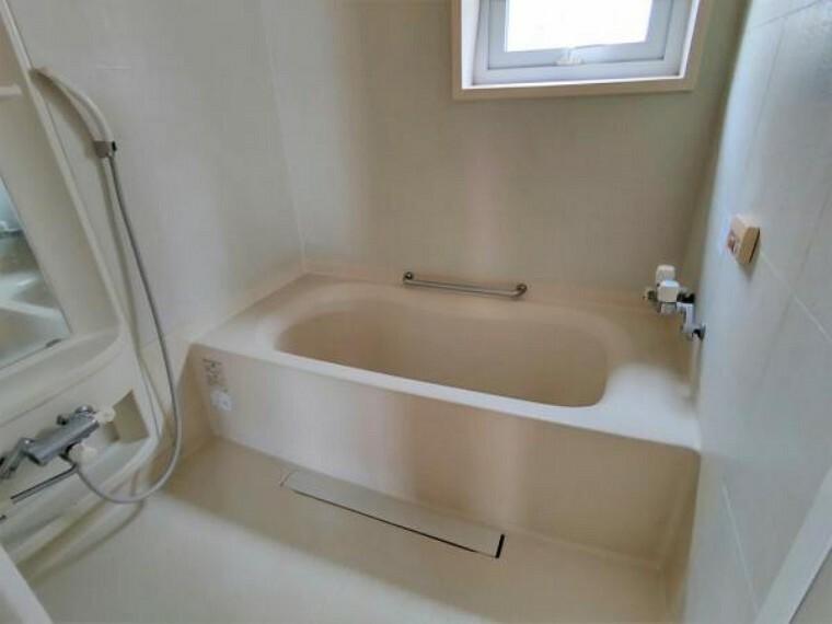 浴室 【リフォーム前浴室】新品の1坪のユニットバスへ交換致します。
