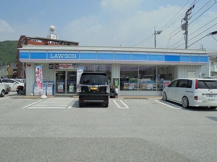 コンビニ 【コンビニエンスストア】ローソン 高知薊野店まで700m