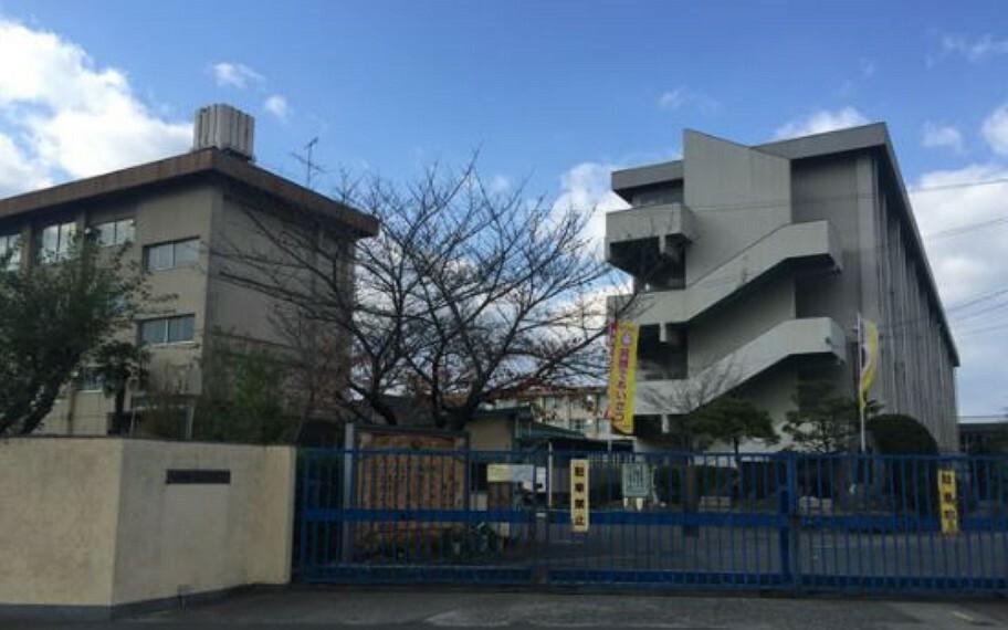 小学校 【小学校】寝屋川市立点野小学校まで64m
