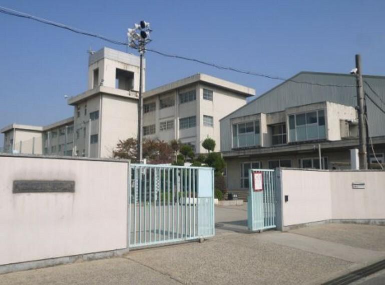 中学校 【中学校】寝屋川市立第八中学校まで405m