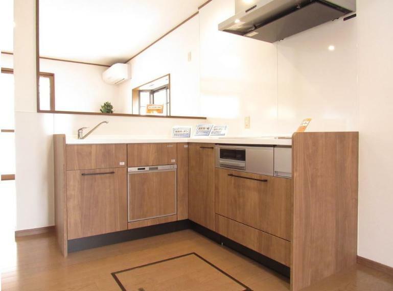 キッチン L型キッチンを採用していることで水回りとコンロ回りが近く作業がしやすいですね!!