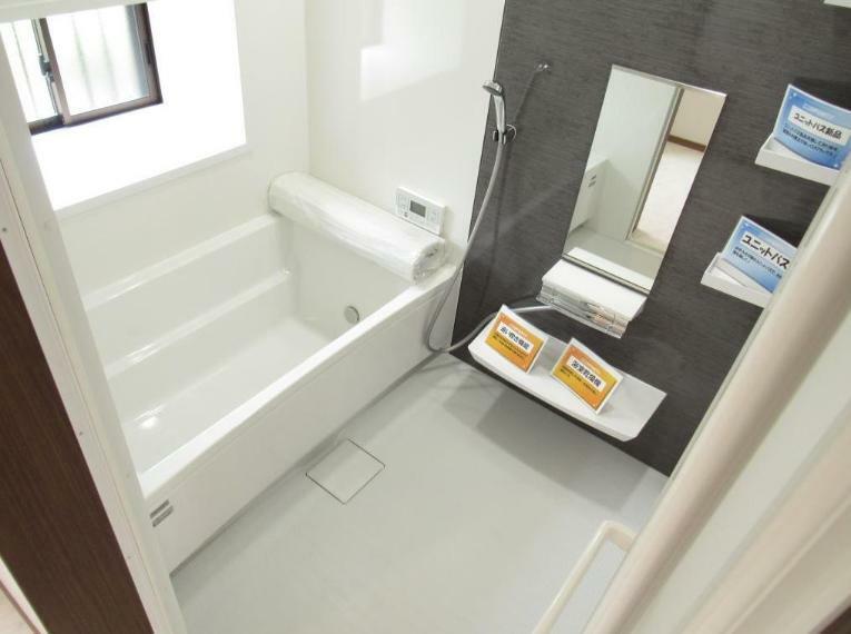 浴室 ユニットバス新品交換! 1616(1坪)サイズで日々の疲れをゆっくり癒せるお風呂です。