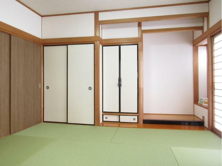 和室 趣ある和室と4枚の引戸でリビングとつなげても活用できる汎用性のある間取りに仕上げました!