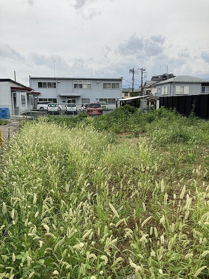 現況写真 お庭やカースペースもご検討いただける広さです。
