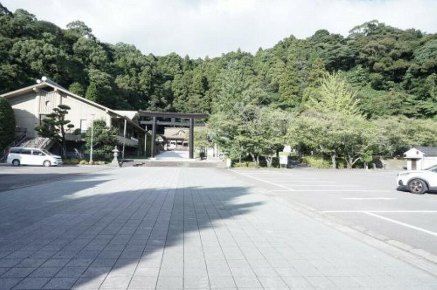 【寺院・神社】護国神社まで1159m