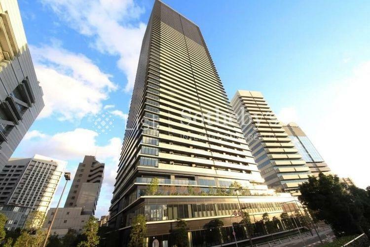 外観写真 外観:水都の空にはえるデザイン。3階には堂島川の水面をモチーフとした「シーズナルガーデン」を配置。