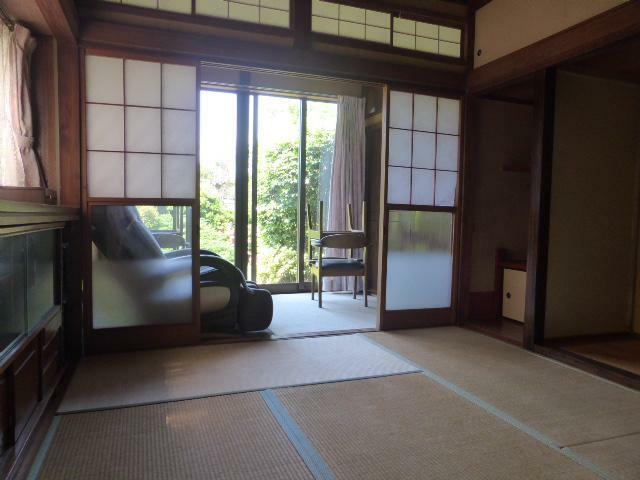 和室 6帖和室も広縁に面し、落ち着きを感じる空間に