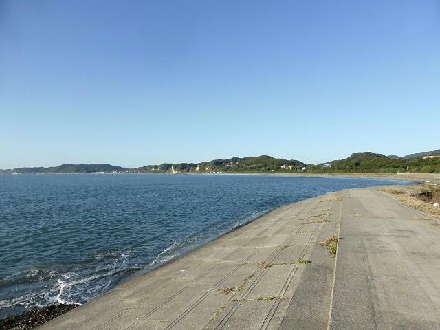 穏やかで海水浴場に向いている富津の海