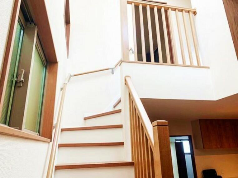 参考プラン完成予想図 \同仕様写真/階段は手すり付きで安全ですね