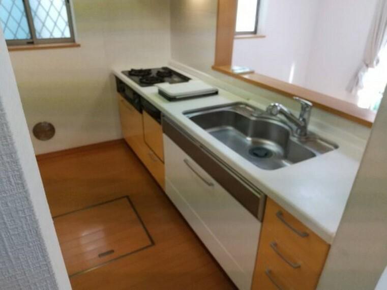 キッチン 忙しいミセスにうれしい食器洗乾燥機のあるキッチン 家事の時間を短縮してのんびりしませんか